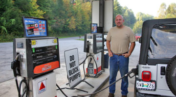 WARNING: Here's Why You Should Never Use A Debit Card To Pay At The Pump!