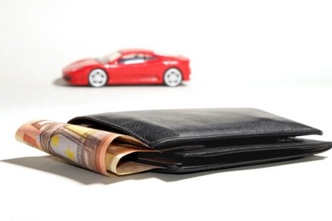 I've always been known to buy cars for cash. Here's why