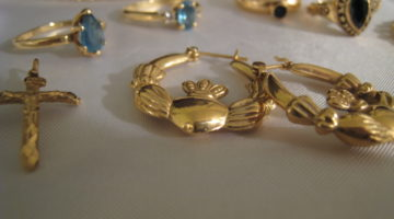Cash For Gold… Is It Worth It To Sell Old Gold Jewelry Through The Mail?