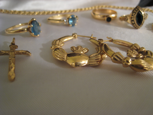 Cash For Gold Is It Worth It To Sell Old Gold Jewelry Through The