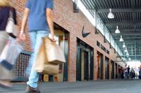 outlet-center-shopping-by-pipp.jpg